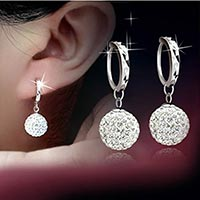 Click to view details for Earrings (1546082)